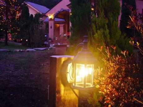 庭園灯設置しました。